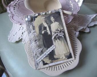 Vintage Couple Card - Vintage-style Wedding Card
