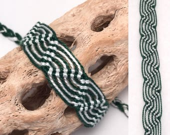 Friendship bracelet - Peruvian - striped - green - white - macrame - embroidery - thread - string - knotted - woven - wave - wavy - handmade