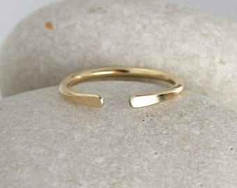 Solid Gold Horseshoe Ring, 14K gold knuckle ring, Simple Gold Ring