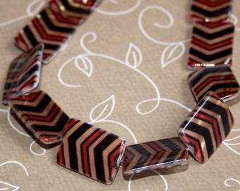 free Uk postage pack of 10 Shell fancy printed rectangle beads 20x15x3mm
