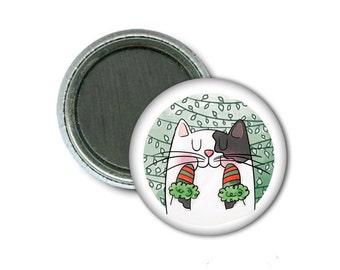 """1"""" Magnet/Mittens Cat"""