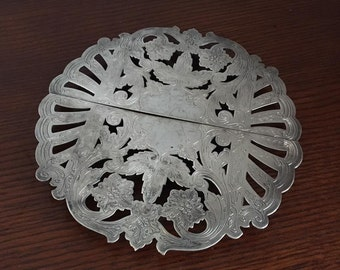 SALE Vintage Wallace Silver Plate Silverplate Fancy Filigree Expandable Trivet Footed Ornate Hot Plate 7332