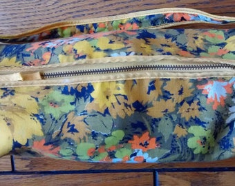 Vintage Pantene 60's 70's floral make up cosmetic zippered bag