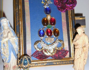 Xmas Tree Art  Vintage Jewelry Reimagined / Ready to Hang