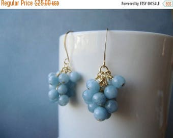 January sale Small cluster earrings. Aquamarine, 22ct gold plated. 2,5 cm / 1'' in
