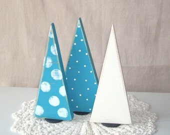 Rustic Wooden Christmas Tree Shelf Decoration, Wooden Tree Shelf Ornament, Distressed Turquoise and Off White Christmas Decor - CD003