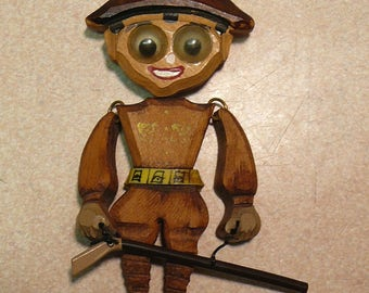 Wood Soldier w/ Gun Pin Jointed Articulated Vintage Brooch Revolutionary War