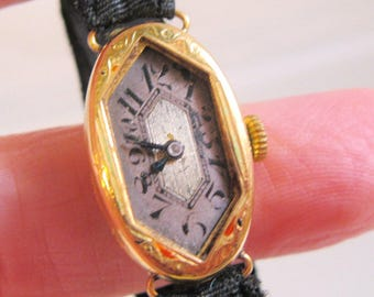 1925 Art Deco 18ct 18k Solid Gold Ladies Wrist Watch English Hallmarks Estate Jewelry Jewellery