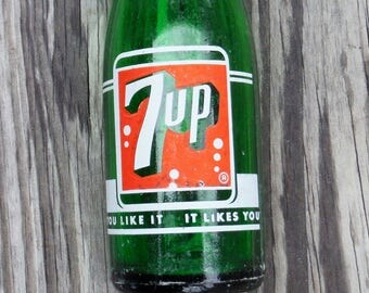 7-UP BOTTLE, Non-lady Swimmer, 7 Bubbles, Fresh Up logo, 7 oz  Emerald Green Bottle, Green Glass, Pop Bottle, Craft Supply, Re-purposeable