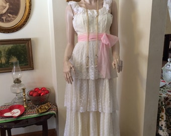 Vintage 60s Stunning Tiered White Lace Pink Sash  Romantic Deco Wedding Boho Maxi dress gown Size X Small