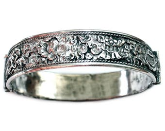 Antique Chinese Hinged Sterling Repoussé Bangle