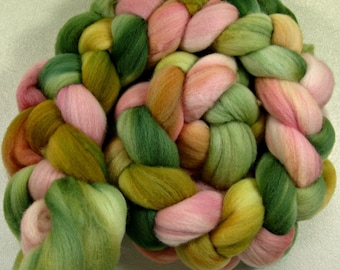 Sweetness 1 merino wool top for spinning and felting (4.1 ounces)