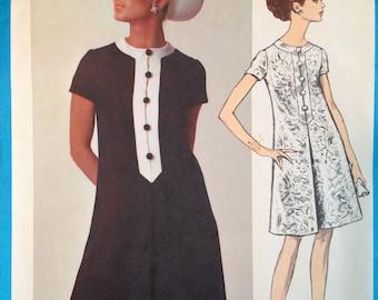 60s Oscar de la Renta Dress Pattern 34 bust Vintage Vogue Americana 1769 Mod A Line Front Pleat
