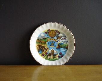 Vermont Love - Vintage Souvenir Plate - Vermont VT State Love