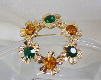 FALL SALE Vintage Gold Green Circle Flower Brooch. Green and Gold Rhinestone Flower Pin.