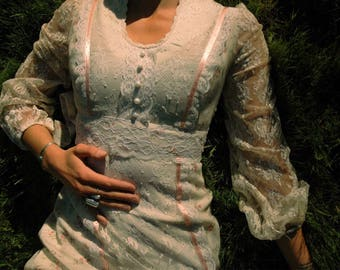 Size XS... Vintage 1970s Gunne Sax Style Dress... Lace Sleeves... Marie Antoinette Petite Trianon