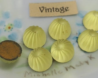 10mm Vintage Cabochons Jonquil ribbed Western Germany Frosted Pressed Glass NOS Foil Flat Back Yellow (479L)