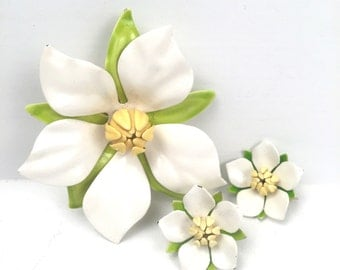 Vintage 1960s White Flower Brooch with Matching  Clip On Earrings