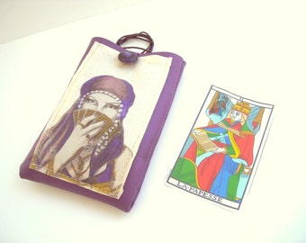 Tarot cards bag, tarot purse, tarot deck pouch, fortune teller accessory, tarot bag, faux leather tarot case with necklace lanyard