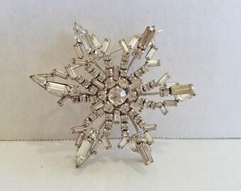 Vintage Sterling Jay Flex Clear Rhinestone Snowflake Starburst Star Brooch