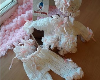 Newborn girl coming home outfit, newborn layette gown, newborn pictures, newborn girl take me home outfit, layette, baby girl clothes - pink