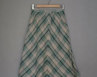 30% off// Vintage GREEN Plaid 70s MIDI Skirt with Pockets (s)