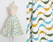 Vintage 50s Skirt   1950s  skirt   novelty scarf print   5857   medium m