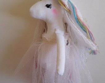 Mini rainbow unicorn no.1