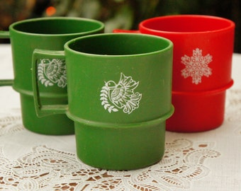 Vintage 80s-90s Christmas Tupperware Brand Cups Mugs Picnic Camping Cabin