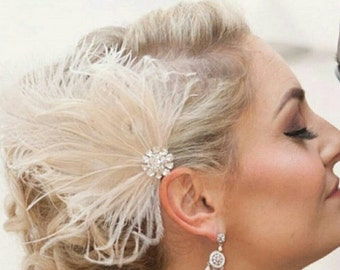 Wedding Fascinator, Feather Hair Clip, Ivory Fascinator, Bridal Hair Clip, Ivory headpiece,  ivory bridal clip,  ivory hair comb, wedding