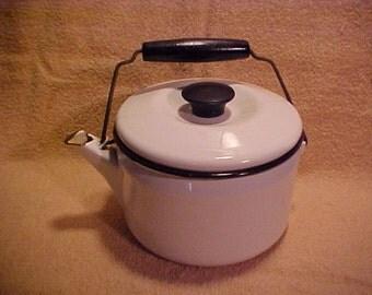 Vintage White Enamelware  2 Quart Teapot Tea Kettle