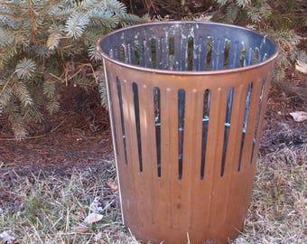 Vintage Erie Art Metal Art Dan Dee Waste Basket Trash Can