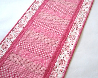 Quilted Table Runner, Pink Table Runner, Valentine Table Runner, Handmade Table Runner, Tablerunner, Valentine Gift, Modern Table Runner