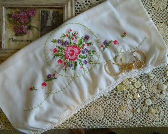 Sweet Embroidered Pillowcase #124