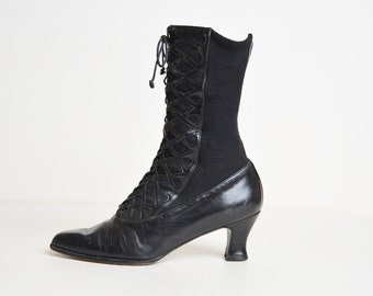 Vintage 90s Black Leather Lace Up Boots / 1990s Stuart Weitzman Witch Ankle Boots 5.5