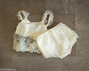 SALE Baby Diaper Cover and Top Set, Baby GirlPCream Diaper Cover, Ivory Lace Diaper Cover, Baby Bloomers, Newborn Props, Baby Pro, RTS