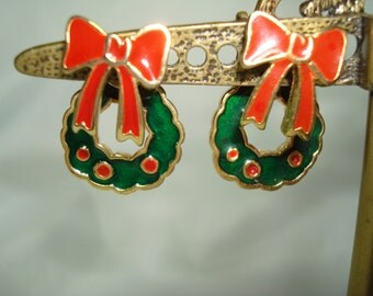 1992 Golden Wreaths with Red Bow Earrings.