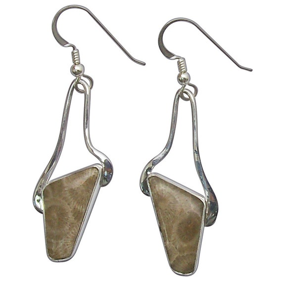 Petoskey Stone dangle earrings set in Sterling Silver  epkyf2756