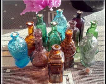 Vintage Reproduction Miniature Glass Apothecary Bottles Made in Taiwan 1970s Blue Purple Amber Green Set of Twelve