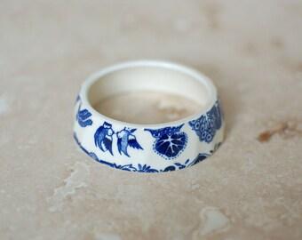 StayGoldMaryRose - Darling vintage royal blue willow pattern tea cup stacking bracelet.