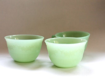 Lot of 3 Vintage 1950s Green Jadeite Glass Tea/Coffee Cups!