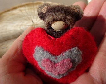 Valentine Bear, waldorf Valentine Doll, Heart Pouch, Small Peg Doll, Wearable, red, brown, pink, wool, wood, eco toy
