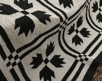 Quilt Bears Paw/Goose Tracks Black and White Queen Size Quilt Made to order