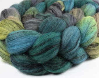 WEST MAUI SUNSET  Merino/Black Tencel Superwash Wool Roving - 4 oz