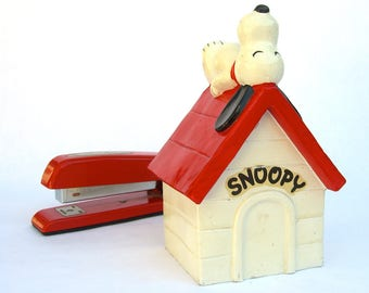 Vintage Snoopy Bank, Red Roof Dog House, 1960s 1970s, Peanuts Schulz, Determined Productions Japan
