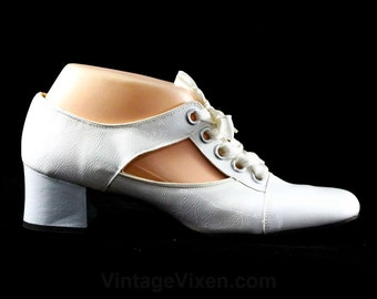 Size 7.5 1960s Shoes - Never Worn Go Go Girl White 60s Pumps - Flapper Style 1920s White Patent Leather - Cutout Sides - 7 1/2 M - 48226-3