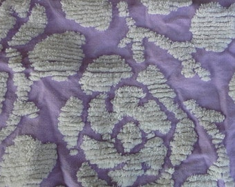 "Vintage Chenille Bedspread Piece Lilac and White Floral Pattern 23"" X 23"" with White Fringe X0798"