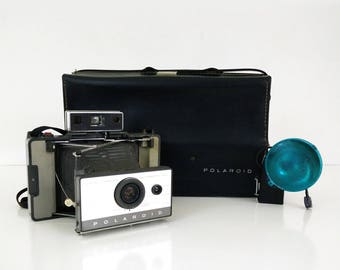 Vintage Polaroid Land Camera Automatic 103 with case and flash