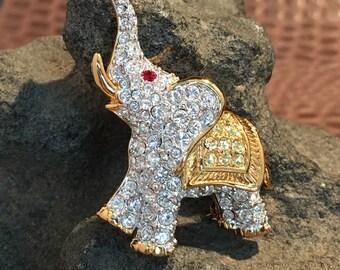 Sweet Swarovski Elephant brooch