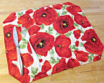 Quilted Placemats, Poppy Placemats, Modern Placemats, Red Placemats, Poppy Decor, Fabric Placemats, Floral Placemats, Poppies, Poppy